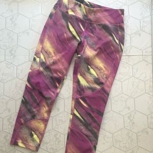 Oakley Hydrolix Capris in Pink and Yellow S